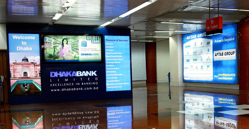 Airport Advertising | Consumark Media